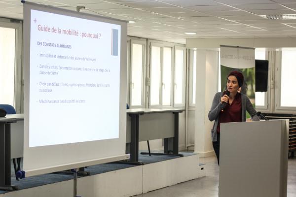 Présentation du site guidedelamobilité.com par Mariame Tighanimine, lauréate de l'institut du Service Civique, et co-fondatrice de Babelprogramme